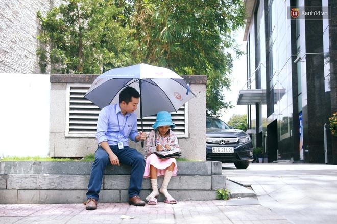 Nhiều người hỗ trợ chỗ học và tặng sách vở miễn phí cho cô trò nhỏ của anh nhân viên ngân hàng - Ảnh 8.