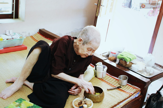 Gặp cụ bà 97 tuổi được phong sành sỏi Internet nhất Việt Nam: Tôi bị ung thư 3 năm nay, nhưng còn sức thì còn học! - Ảnh 7.