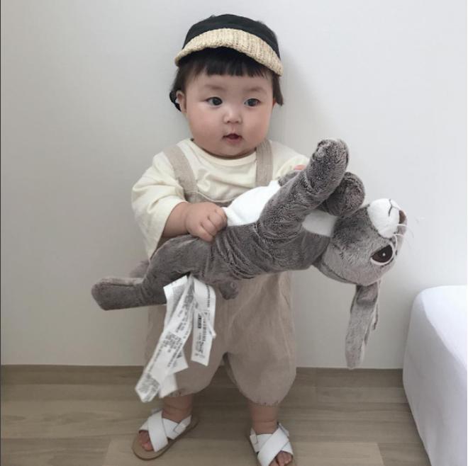 Cô nhóc người Hàn sở hữu cặp má bánh bao trong truyền thuyết siêu đáng yêu - Ảnh 11.