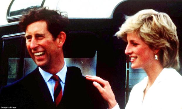 Trước những bi kịch hôn nhân, Công nương Diana và Thái tử Charles từng có một cuộc tình hạnh phúc - Ảnh 10.