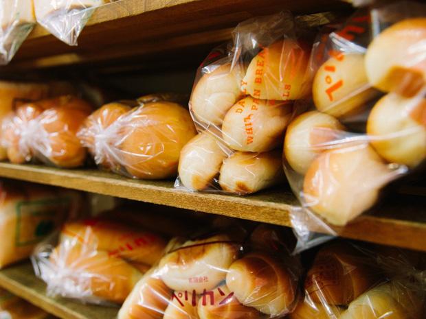 Có gì tại tiệm bánh mì Nhật Bản, hoạt động 74 năm và chỉ bán 2 loại bánh nhưng vẫn nườm nượp khách? - Ảnh 7.