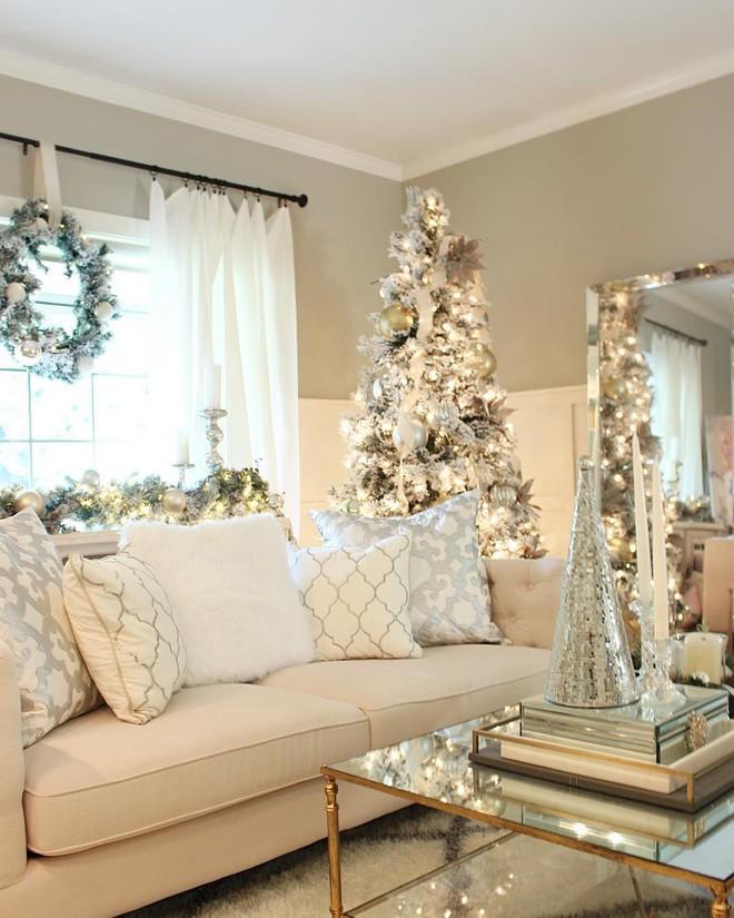 Những kiểu trang trí phòng khách đậm chất Giáng sinh nhìn đã thấy an lành - Ảnh 7.