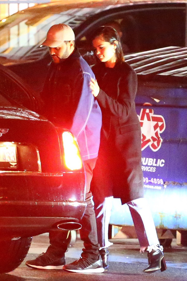 HOT: Selena Gomez lộ ảnh công khai hôn môi The Weeknd tình tứ - Ảnh 8.