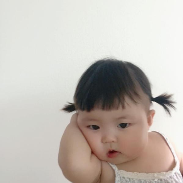 Cô nhóc người Hàn sở hữu cặp má bánh bao trong truyền thuyết siêu đáng yêu - Ảnh 12.