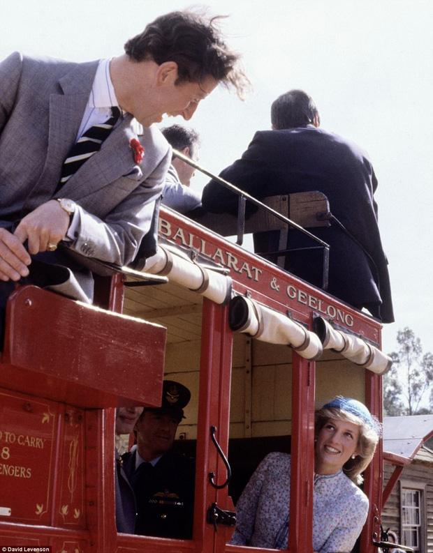 Những khoảnh khắc ngọt ngào trước giông bão hôn nhân của Công nương Diana khiến ta tin bà đã từng hạnh phúc - Ảnh 11.