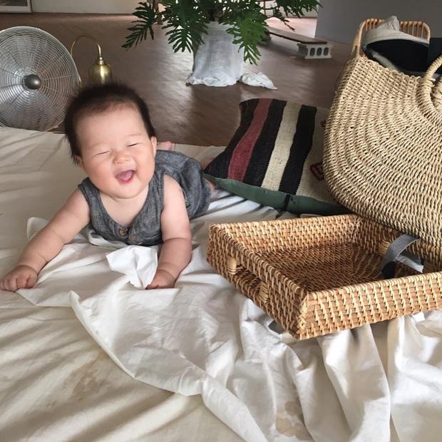 Quên hết mệt mỏi khi ngắm loạt ảnh của cậu nhóc cứ cười là hết thấy ông mặt trời - Ảnh 8.