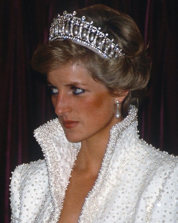Không phải đen hay nâu, công nương Diana chỉ trung thành với kẻ mắt xanh dương - Ảnh 8.