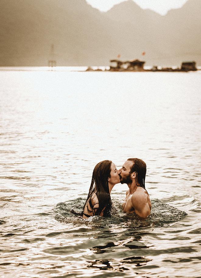 Đám cưới bí mật đẹp như mơ có 1-0-2 của cặp đôi Tây bỏ trốn trên đảo Cát Bà - Ảnh 9.