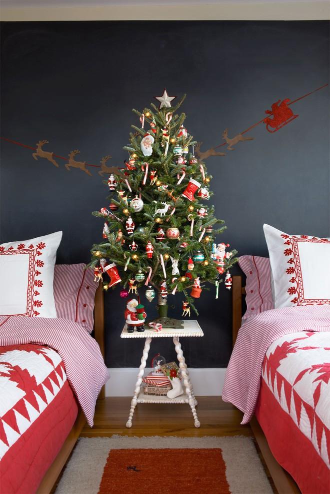 17 ý tưởng trang trí cây thông Noel mini đẹp, độc, lạ dành riêng cho nhà nhỏ  - Ảnh 8.