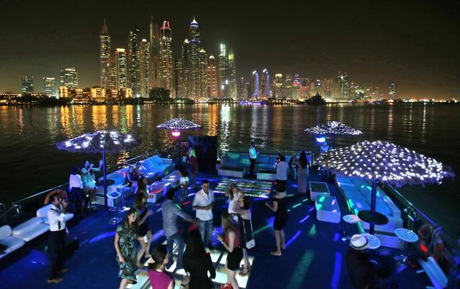Cuộc sống ở Dubai - một trong những thành phố phát triển nhanh nhất TG - Ảnh 9.