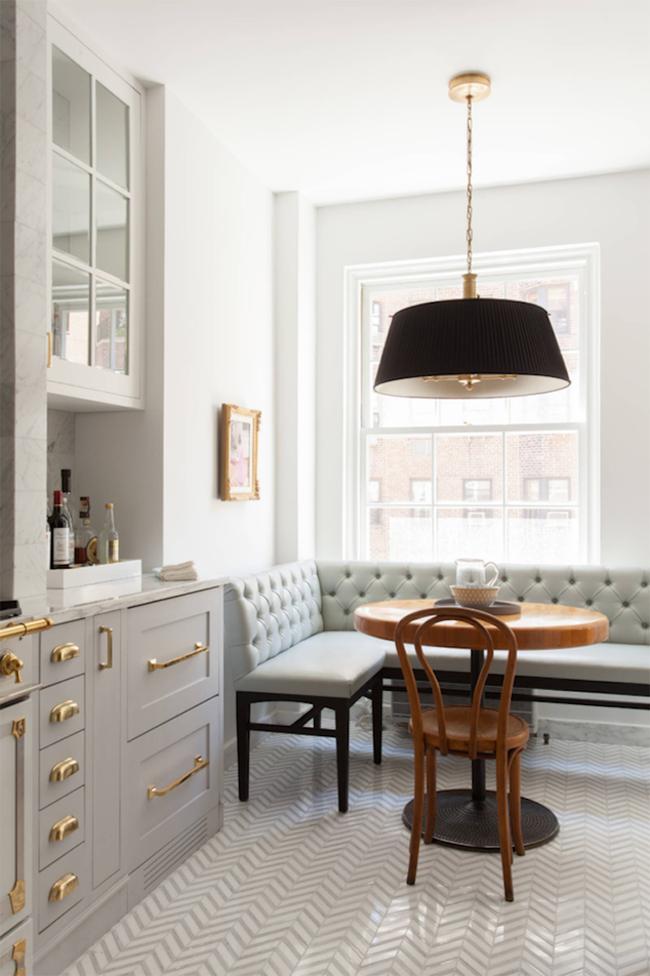 29 mẫu bàn ghế ăn khiến phòng ăn nhà bạn từ nhỏ hóa rộng thênh thang - Ảnh 9.