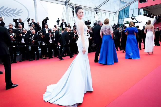 Lý Nhã Kỳ diện cây hàng hiệu hơn 4 tỷ lộng lẫy trên thảm đỏ LHP Cannes ngày 2 - Ảnh 9.