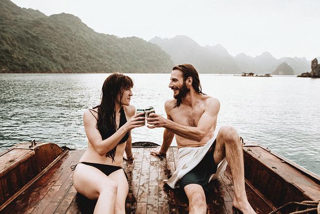 Đám cưới bí mật đẹp như mơ có 1-0-2 của cặp đôi Tây bỏ trốn trên đảo Cát Bà - Ảnh 8.