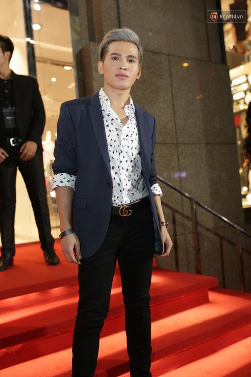Angela Phương Trinh & Chi Pu quá đỗi sành điệu, công phá thảm đỏ sự kiện ra mắt H&M Việt Nam - Ảnh 9.