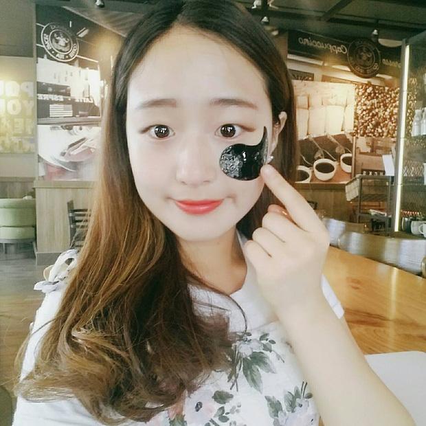 Để trị quầng thâm và dưỡng da mắt, con gái Việt đang cực kết loại mặt nạ bát quái dễ thương này - Ảnh 9.