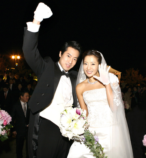 Váy cưới của các mỹ nhân đình đám xứ kim chi: người chi cả tỷ cho hàng hiệu, người diện thiết kế không tên tuổi - Ảnh 9.