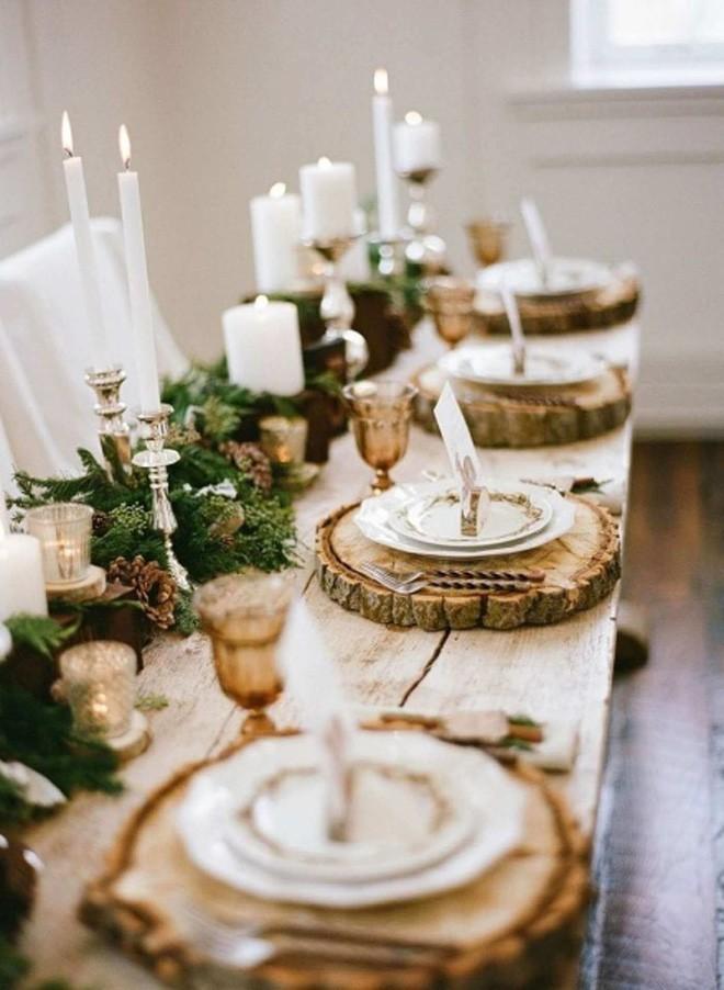 Trang trí bàn ăn thật lung linh và ấm cúng cho đêm Giáng sinh an lành - Ảnh 9.