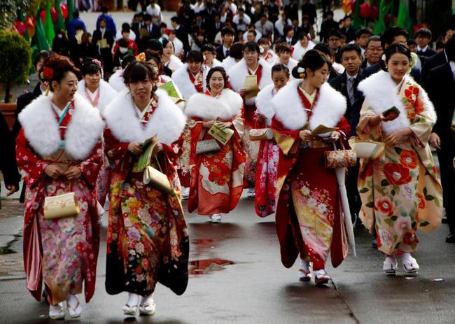 Các cô gái Nhật Bản xinh đẹp trong lễ trưởng thành - Ảnh 10.