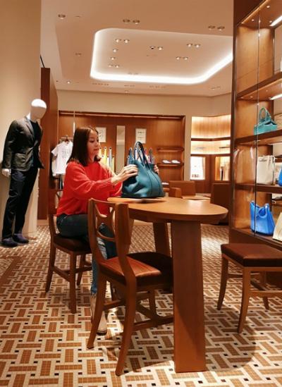 Bị tố dùng hàng fake, Hoa hậu Hải Dương - chủ nhân chiếc Birkin giá 5 tỷ đồng xin miễn đôi co - Ảnh 10.