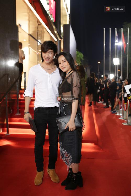 Angela Phương Trinh & Chi Pu quá đỗi sành điệu, công phá thảm đỏ sự kiện ra mắt H&M Việt Nam - Ảnh 10.
