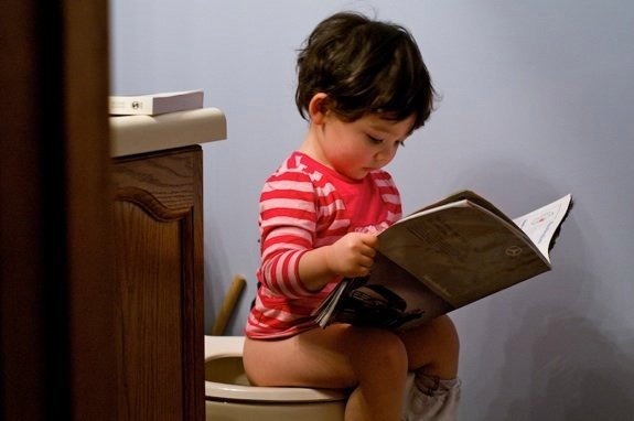 4 phương pháp luyện trẻ ngồi bô được các mẹ trên thế giới áp dụng - Ảnh 2.