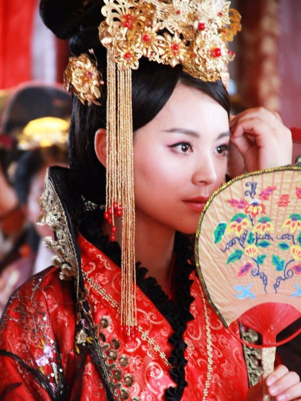 Số phận vừa đáng thương vừa đáng trách của tì nữ xinh đẹp mưu mô bị Hoàng đế ép khỏa thân trước mặt nhiều người - Ảnh 7.