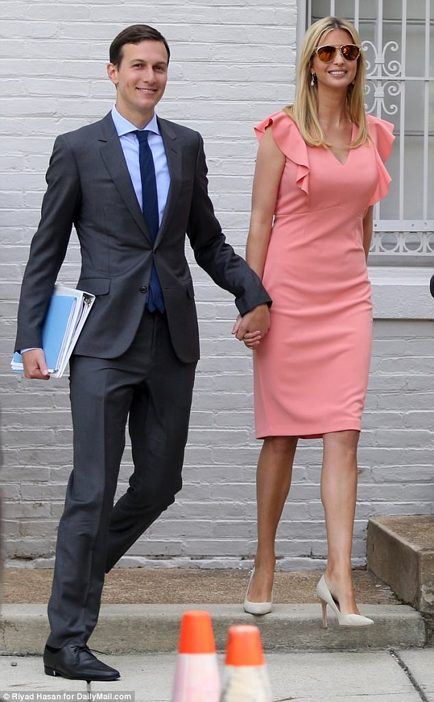 Đến ái nữ Tổng thống Mỹ cũng mặc đầm mua ngay web của Amazon - Ảnh 1.
