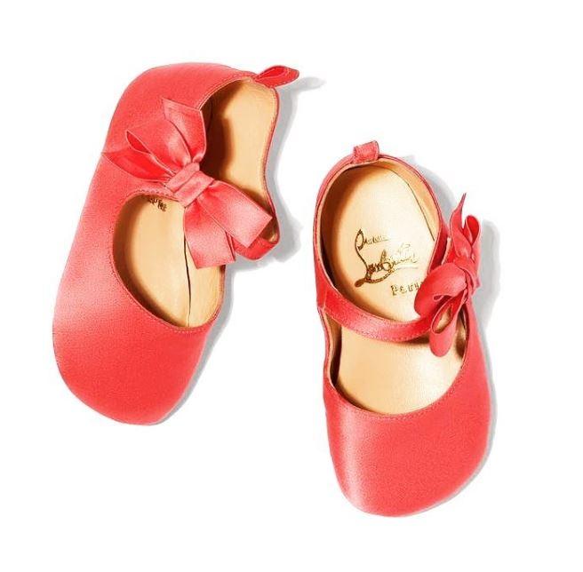 Ông hoàng giày đế đỏ Christian Louboutin lần đầu tiên ra mắt mẫu giày xinh xắn dành cho bé gái - Ảnh 4.