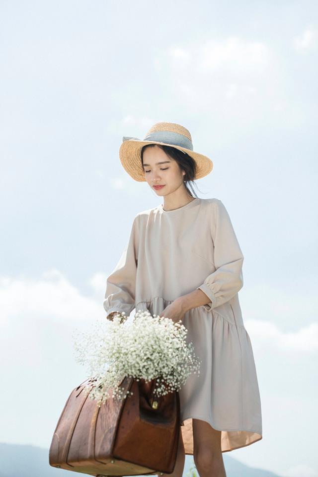 Đón thu ngọt ngào cùng những thiết kế váy liền tay lỡ mà giá chưa đến 700 ngàn đến từ các thương hiệu Việt - Ảnh 2.