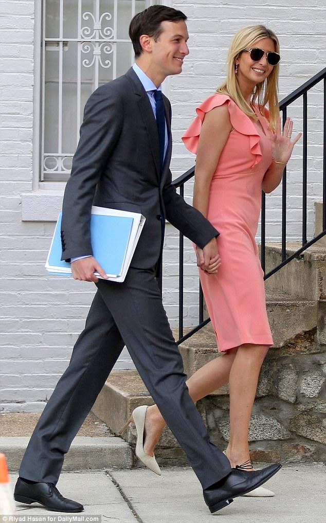 Đến ái nữ Tổng thống Mỹ cũng mặc đầm mua ngay web của Amazon - Ảnh 2.