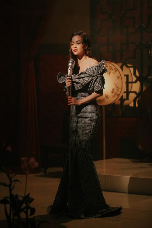 Vừa ra mắt, nhưng 2 MV ca nhạc này đã cân cả showbiz Việt về khoản đầu tư trang phục - Ảnh 9.