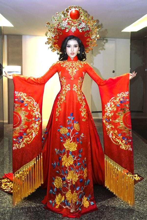 Á hậu Huyền My hé lộ bộ quốc phục nặng 30kg sẽ trình diễn tại Miss Grand International 2017 - Ảnh 2.
