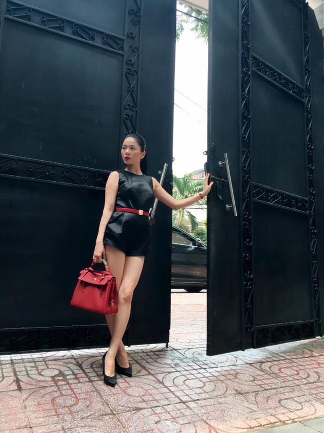Những người đẹp Việt rất trung thành với một hãng túi hiệu - Ảnh 61.