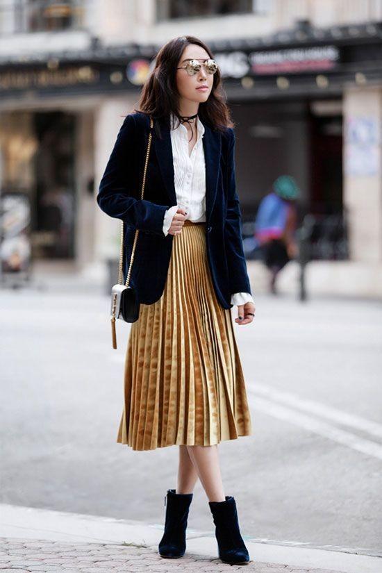 Tỏa sáng rạng ngời xuống phố hai ngày cuối cùng của năm với những thiết kế chân váy ánh kim siêu bắt mắt - Ảnh 17.
