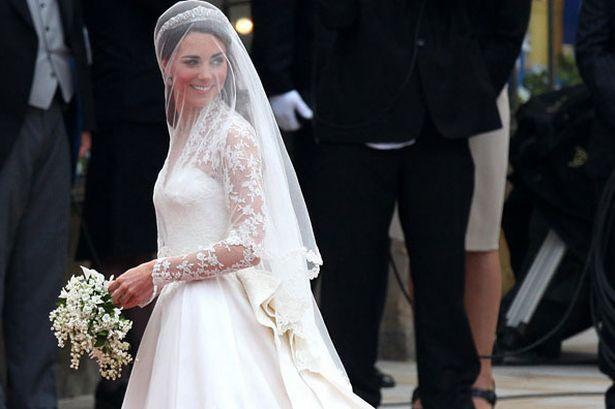10 điều bí mật làm nên sức hút vượt trời gian của mẫu váy cưới mà Công nương Kate mặc  - Ảnh 10.