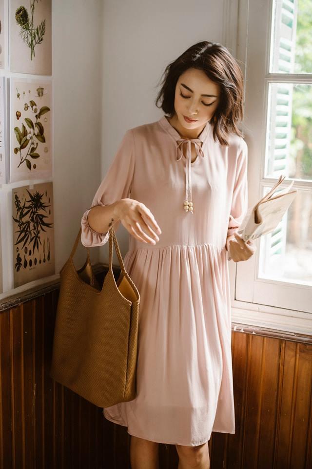 Đón thu ngọt ngào cùng những thiết kế váy liền tay lỡ mà giá chưa đến 700 ngàn đến từ các thương hiệu Việt - Ảnh 17.