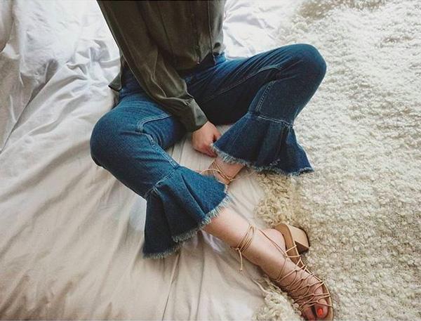 Những mẫu quần jeans sẽ làm mưa làm gió mùa Xuân/Hè 2017 này, bạn đã tìm hiểu chưa? - Ảnh 20.
