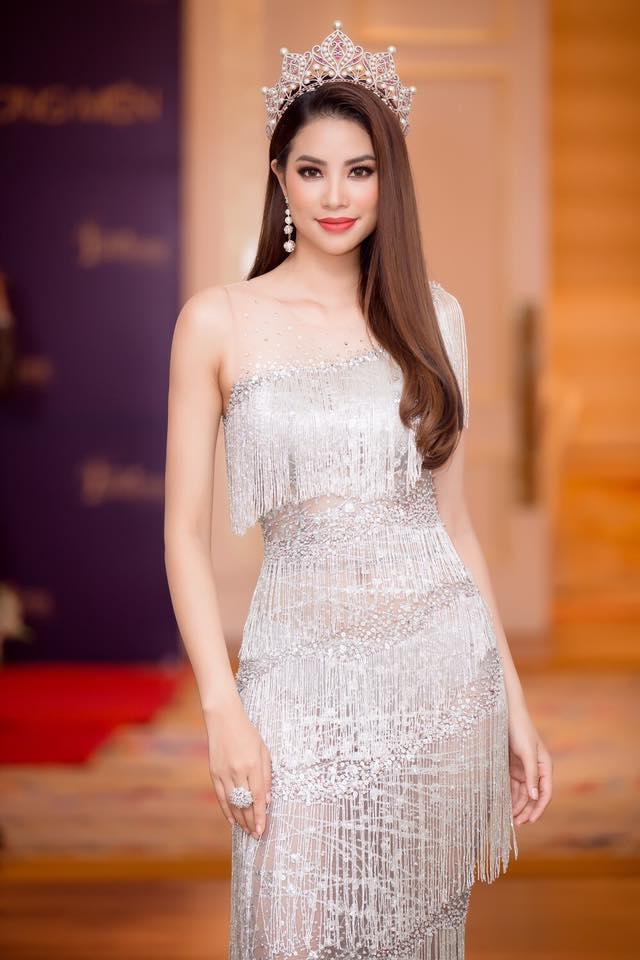 Từ mờ nhạt về nhan sắc lẫn phong cách thời trang, phải mất tận 7 năm Phạm Hương mới có chỗ đứng trong Vbiz - Ảnh 31.