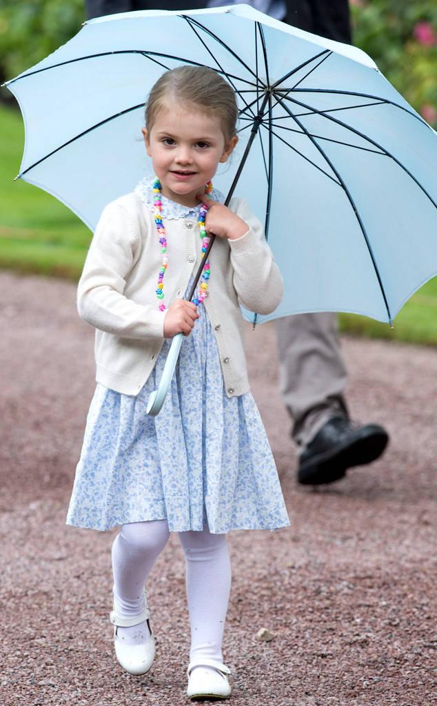 Đến công chúa Hoàng gia thì tiêu chí chọn trường mầm non cho con vẫn là rợp bóng cây như công viên - Ảnh 1.