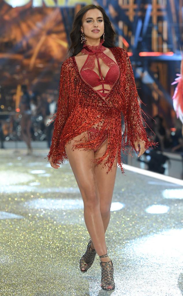 Vừa nhận diễn show Victorias Secret 2017, Behati lại phải xin nghỉ vì bụng bầu đã vượt mặt - Ảnh 6.