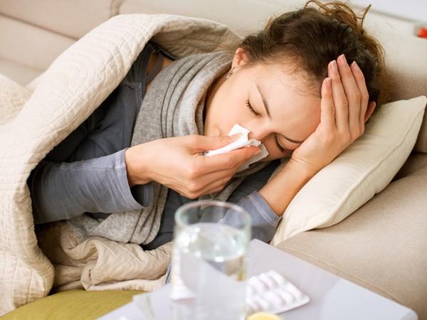 Mùa lạnh, cần tỉnh táo nhận ra những dấu hiệu cảnh báo hệ miễn dịch đang gặp vấn đề - Ảnh 1.