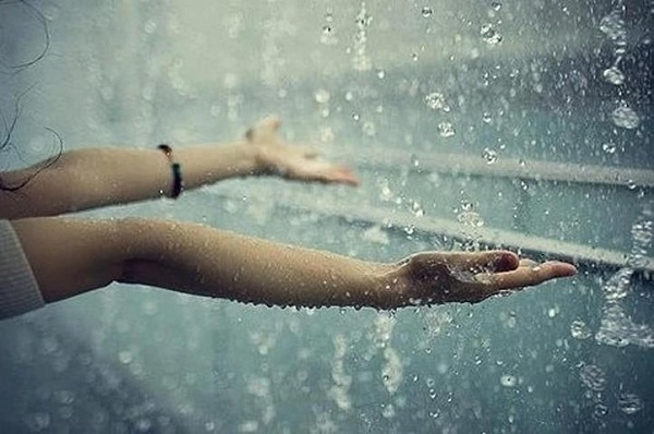 Sét đánh vào mùa mưa bão có thể giết chết bạn, hãy cẩn trọng và làm theo hướng dẫn của chuyên gia dưới đây - Ảnh 2.