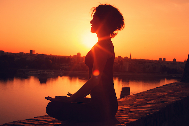 Suy nghĩ tích cực có thể kéo dài tuổi thọ: Chỉ cần tin rằng bạn khỏe mạnh cũng làm giảm nguy cơ tử vong sớm - Ảnh 3.