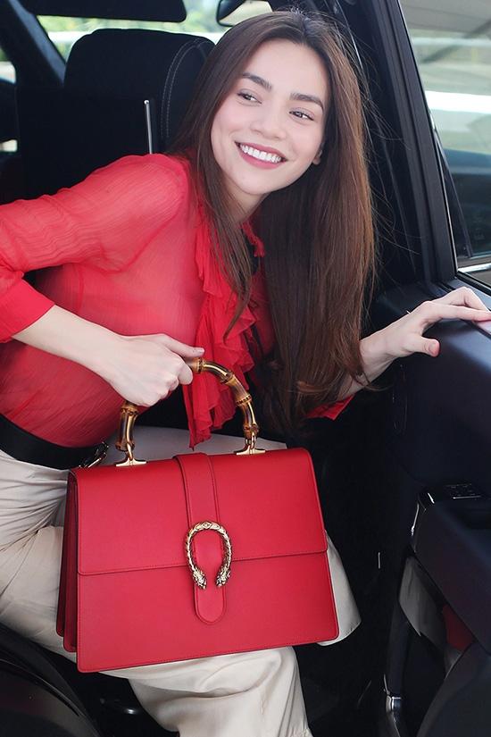 Những người đẹp Việt rất trung thành với một hãng túi hiệu - Ảnh 23.