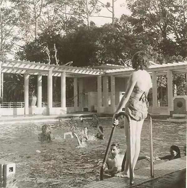 Hơn nửa thế kỷ trước, phụ nữ Sài Gòn đã mặc chất, chơi sang như thế này cơ mà! - Ảnh 38.