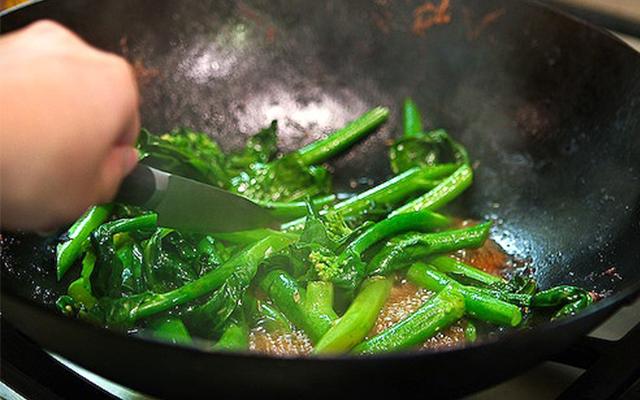 90% phụ nữ cho gia đình ăn thức ăn như bã, chẳng còn dinh dưỡng khi chế biến theo kiểu này - Ảnh 5.