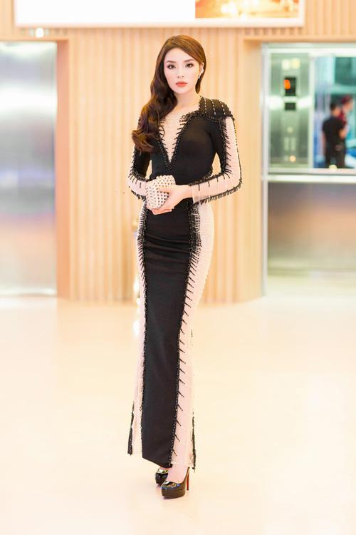 Dáng đẹp là thế, nhưng Kỳ Duyên lại bị chiếc váy này dìm không thương tiếc - Ảnh 4.