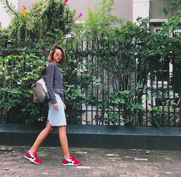 Đây là lý do các người đẹp Việt đang tạm cất giày cao gót vào một góc - Ảnh 7.