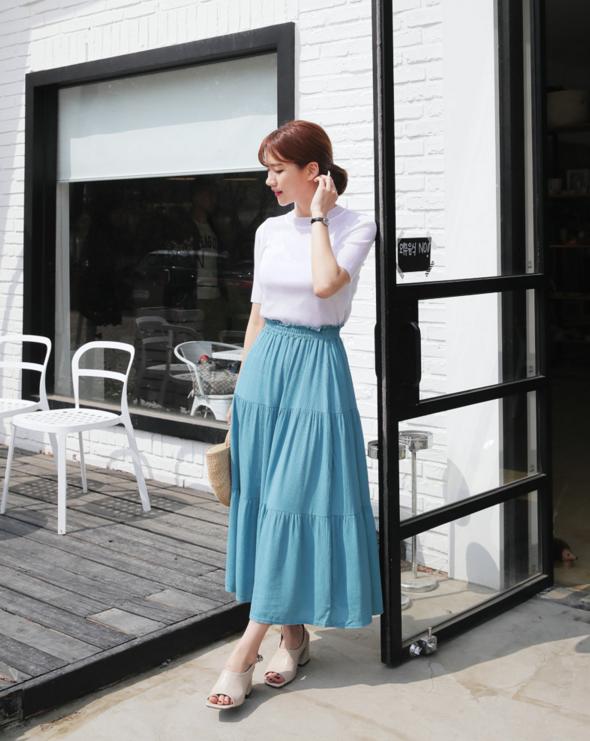Thử kết hợp chân váy cùng áo phông: tưởng không hợp mà hợp không tưởng - Ảnh 20.