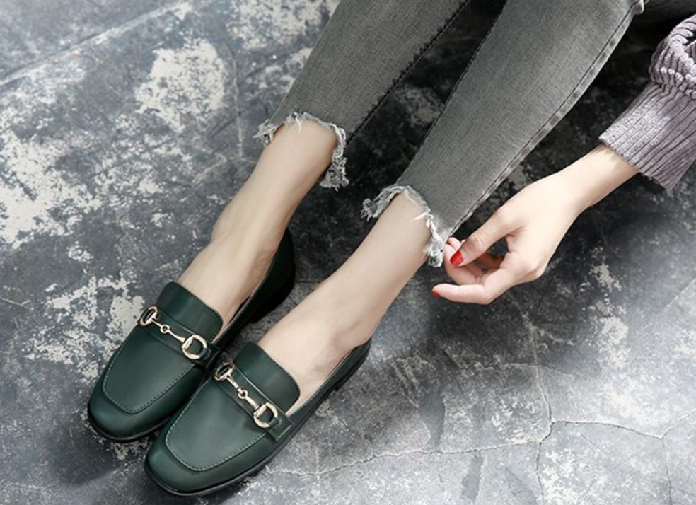 Giày mũi vuông - Cơn sốt thời trang chưa có dấu hiệu hạ nhiệt